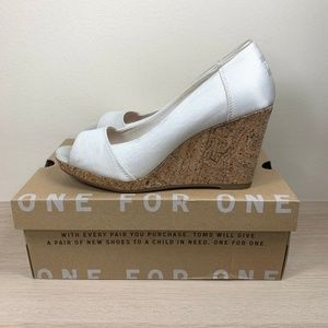 Toms Stella White Grosgrain Peep-Toe Wedges